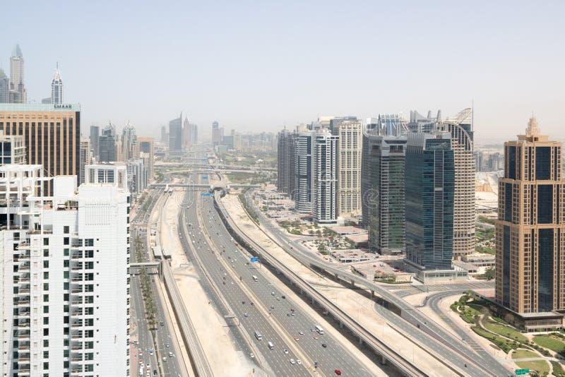 Opinião aérea panorâmico o xeique Zay de Dubai fotos de stock royalty free