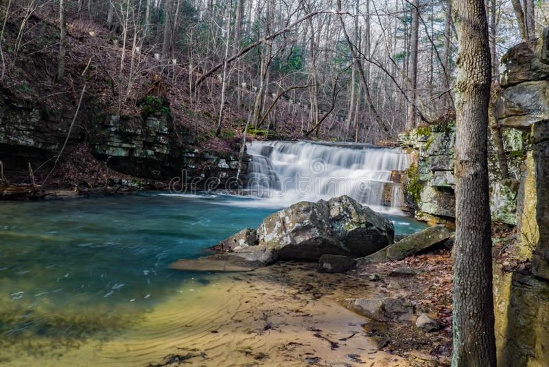 Opinião adiantada do inverno de cachoeiras das minas de Fenwick fotos de stock