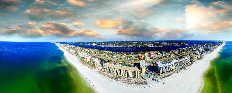 Opinião aeial de Walton Beach do forte no por do sol foto de stock royalty free