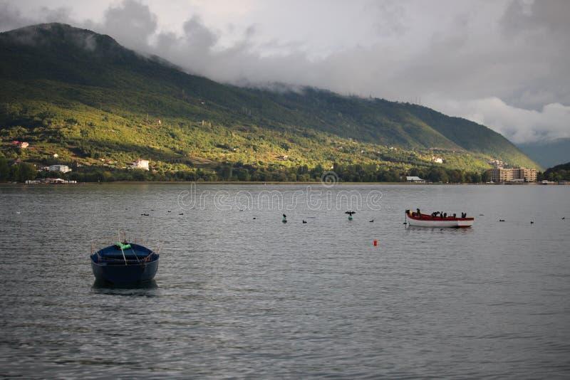 Opinião agradável do lago do lago Ohrid imagens de stock