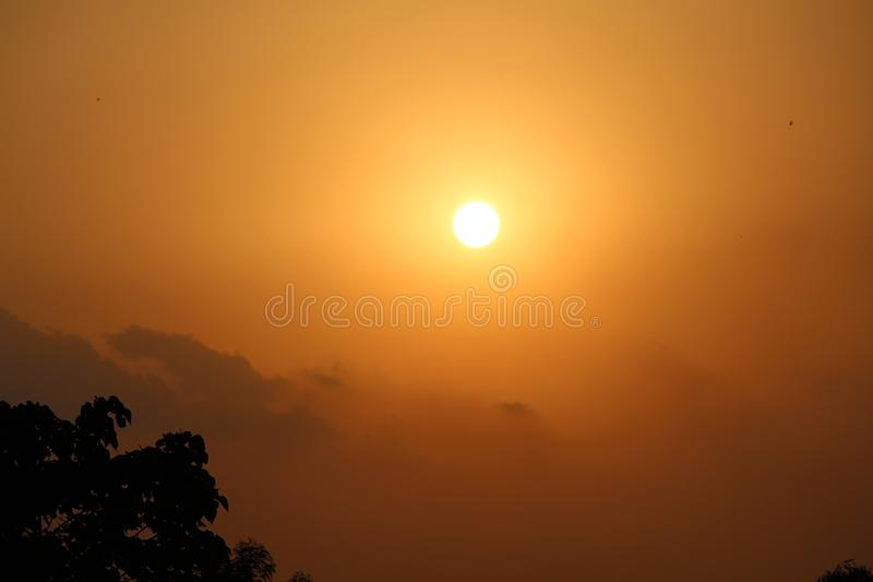 Opinião ajustada de Sun do chapéu de Bastar - Índia de Chhattisgarh imagem de stock