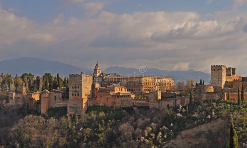 Opinião Alhambra Palace em Granada, Espanha fotos de stock royalty free
