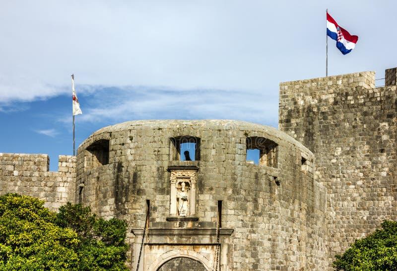 Opinião antiga da fortaleza da cidade de Dubrovnik, Croácia foto de stock royalty free