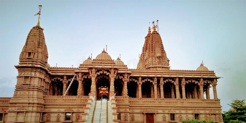 A opinião antiga do tempo do dia do templo narayan do swami foto de stock royalty free