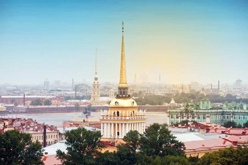 Opinião bonita de St Petersburg imagens de stock