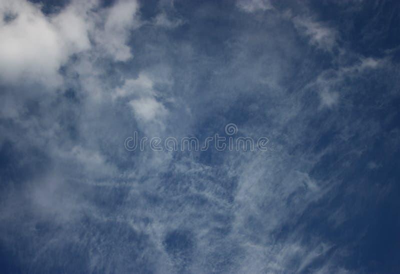 Opinião bonita do papel de parede da textura da nuvem da natureza do céu fotos de stock royalty free