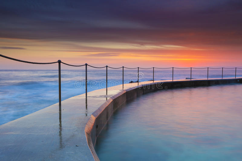 Opinião bonita do seascape do nascer do sol imagem de stock royalty free