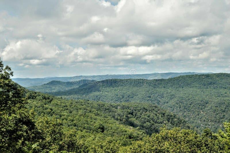 Opinião bonita do vale da montanha imagem de stock royalty free