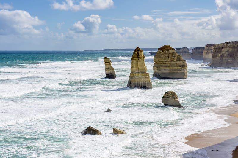 Opinião bonita os doze apóstolos ao longo da grande estrada do oceano, Victoria, Austrália fotografia de stock