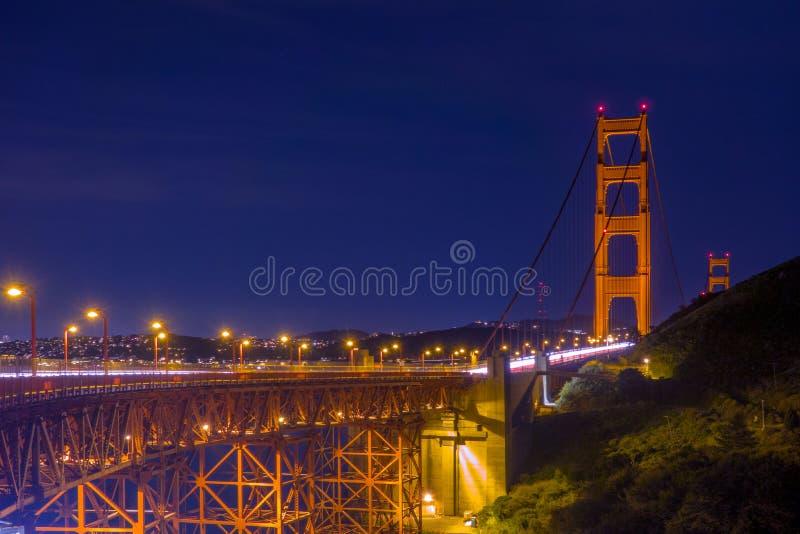 Opinião cênico San Francisco Golden Gate Bridge na noite fotos de stock