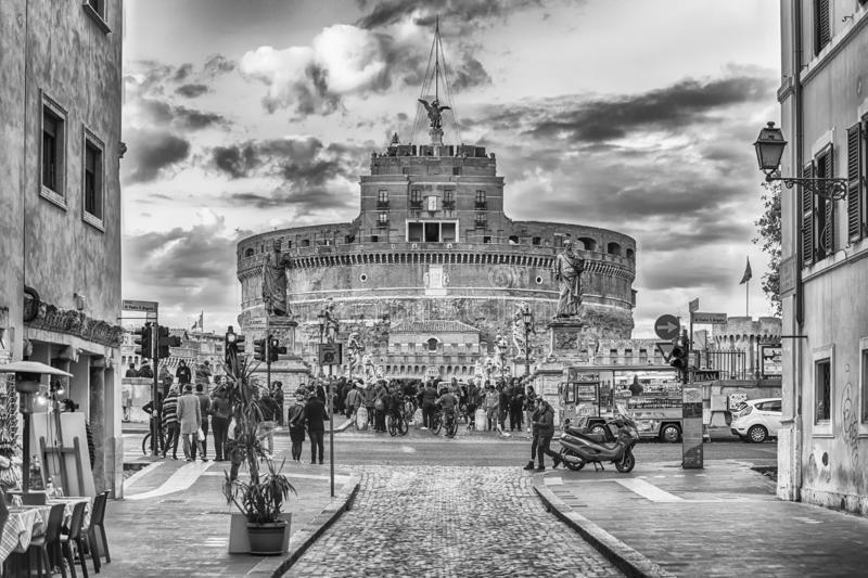 Opinião Castel Sant ' Fortaleza de Angelo e ponte, Roma, Itália imagem de stock