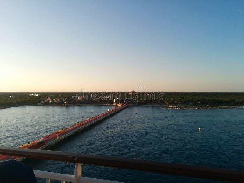 Opinião Costa Maya, México da plataforma do navio de cruzeiros fotos de stock