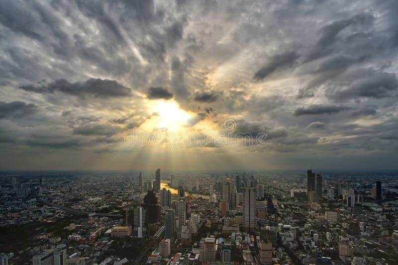 Opinião da altura da cidade de Banguecoque imagem de stock royalty free