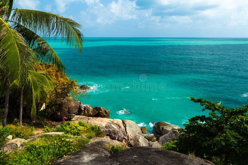Opinião da altura na ilha tropical da lagoa, Phuket, Ásia, Tailândia fotos de stock