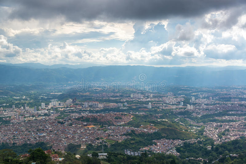 Opinião da arquitetura da cidade de Bucarmanga imagem de stock