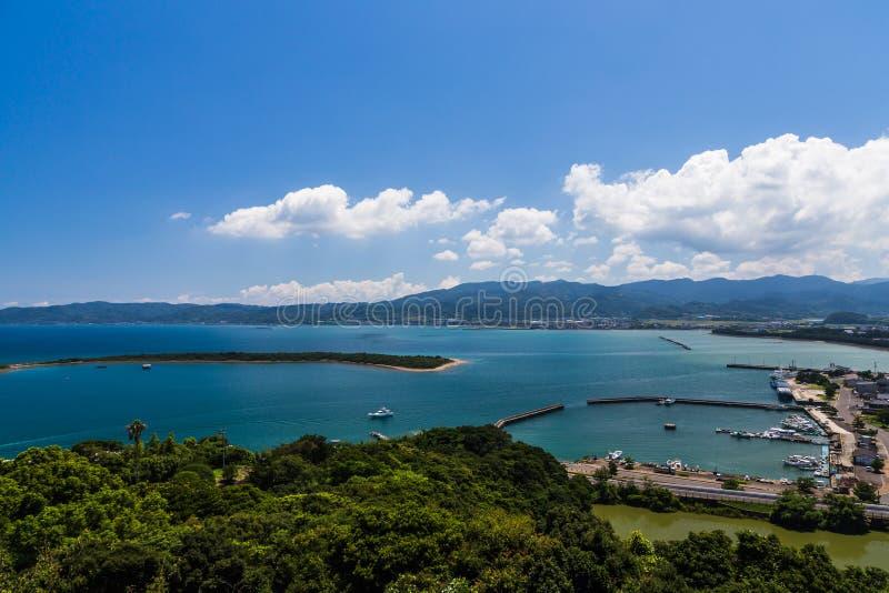 Opinião da baía de Tomioka de cima em Amakusa, Kumamoto, Japão fotos de stock