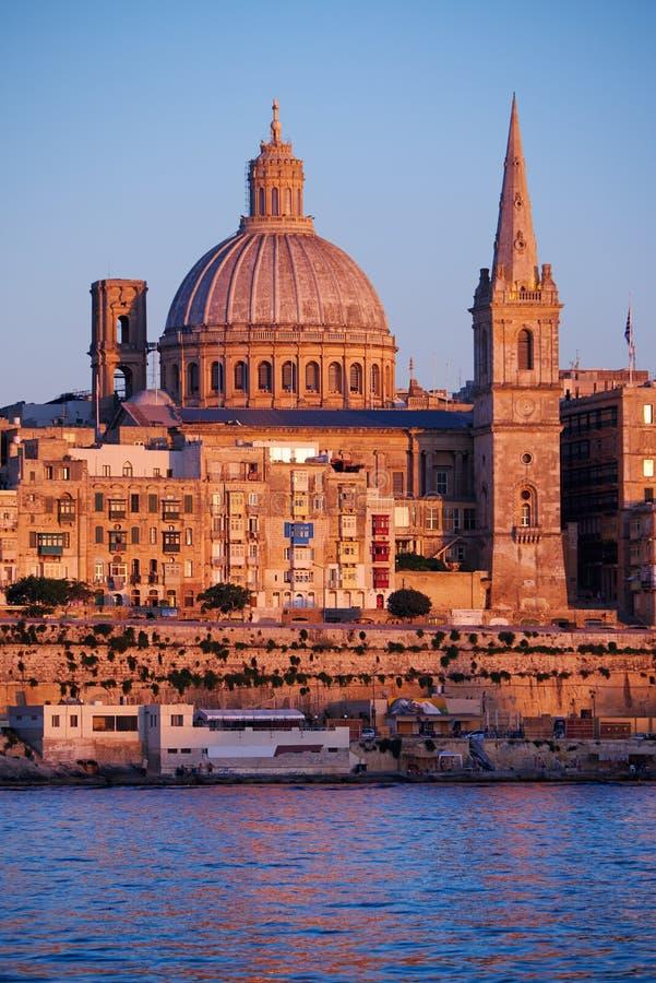 A opinião da basílica de nossa senhora de Monte Carmelo, Va da noite imagens de stock royalty free