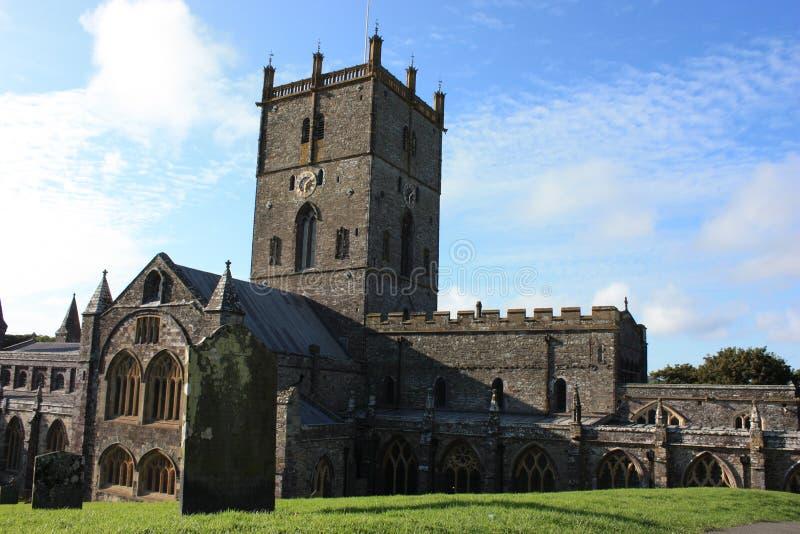 Download Opinião Da Catedral De David De Saint Imagem de Stock - Imagem de igreja, nuvens: 12804731
