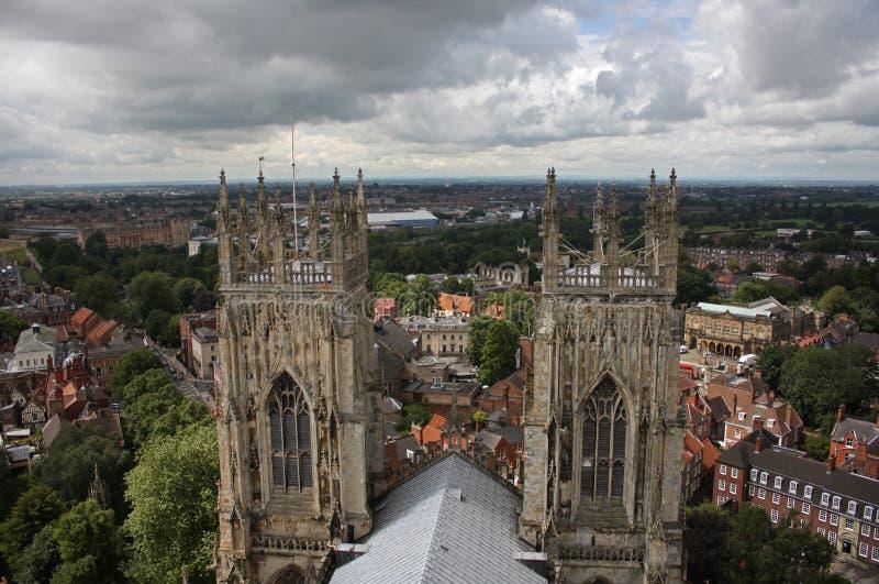 Opinião da cidade da parte superior da igreja de York imagem de stock royalty free