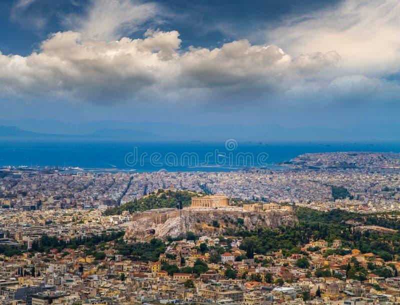 Opinião da cidade de Atenas - Partenon da acrópole imagem de stock royalty free