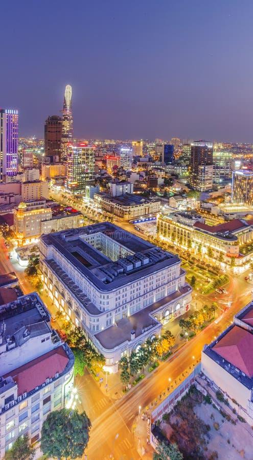 Opinião da cidade de Ho Chi Minh da parte superior da construção foto de stock