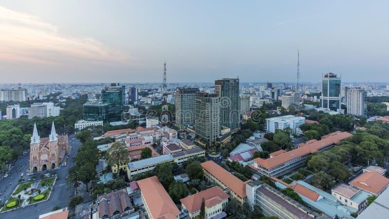 Opinião da cidade de Ho Chi Minh da parte superior da construção imagem de stock
