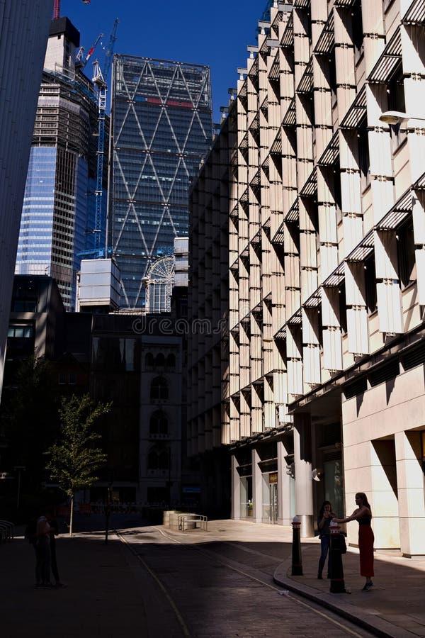 Opinião da cidade de Londres na linha do rood à construção de Leadenhall fotografia de stock