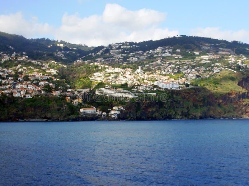 Opinião da cidade de Madeira imagem de stock