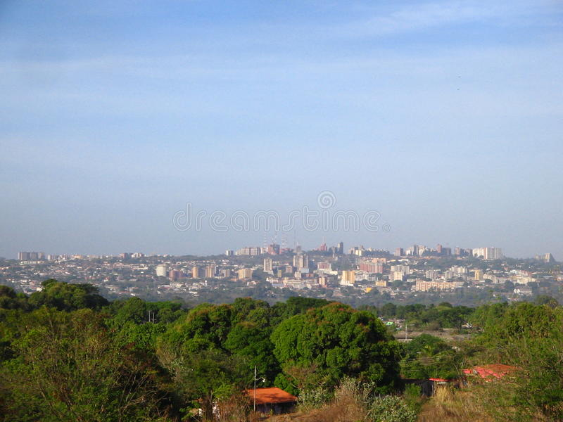 Opinião da cidade de Puerto Ordaz, Venezuela Ámérica do Sul imagens de stock royalty free
