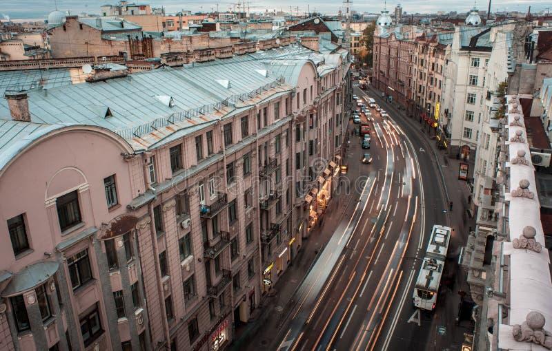 Opinião da cidade do telhado St Petersburg fotografia de stock royalty free