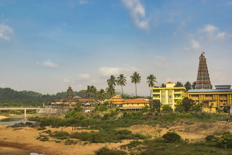 Opinião da cidade - paisagem do templo de Sringeri imagens de stock royalty free