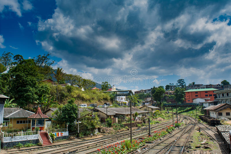 Opinião da estação de trem na cidade do hatton em Sri Lanka imagem de stock royalty free