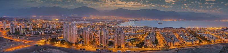 Opinião da manhã em Eilat e no Golfo de Aqaba imagens de stock royalty free