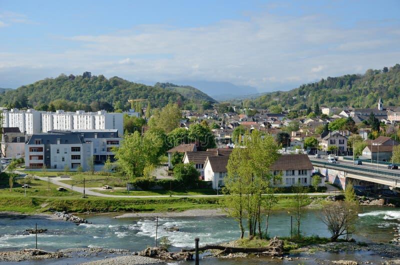 Opinião da mola da cidade francesa Pau imagens de stock royalty free