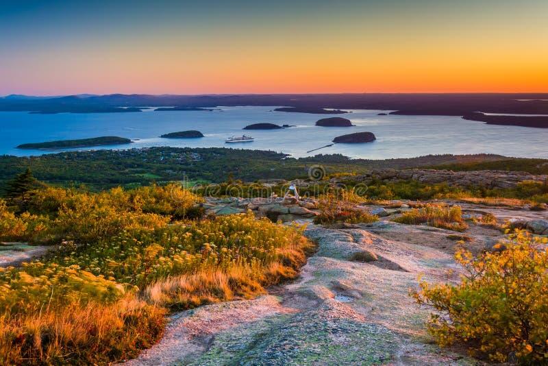 Opinião da montanha de Caddilac no parque nacional do Acadia, MAI do nascer do sol fotografia de stock royalty free