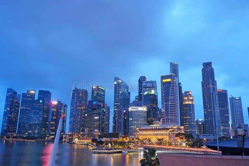 Opinião da noite da areia de Marina Bay em Singapura em dezembro de 2018 imagem de stock royalty free