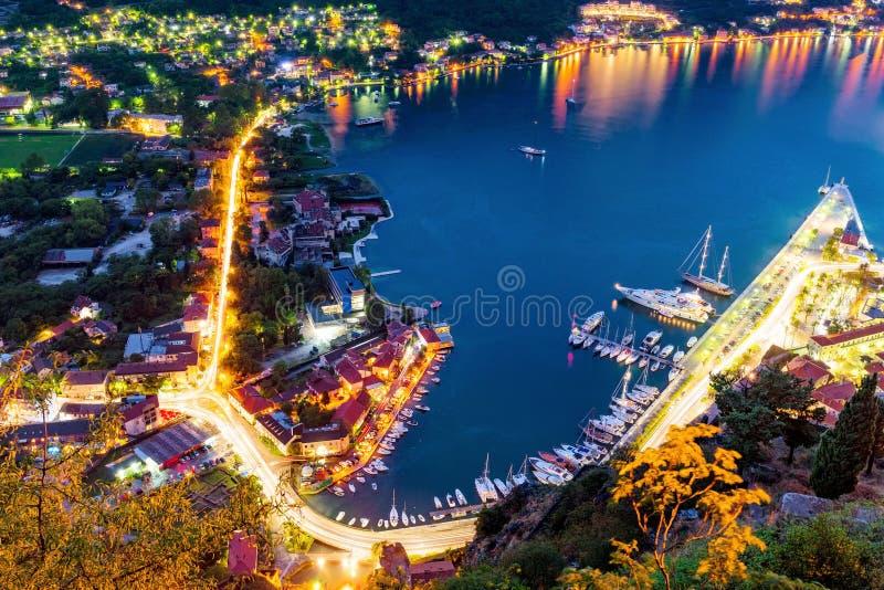 Opinião da noite da baía de Kotor imagem de stock