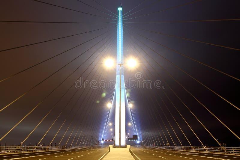 Opinião da noite da ponte dos Stonecutters fotografia de stock