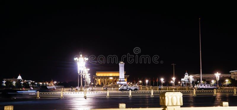 Opinião da noite da Praça de Tiananmen do Pequim foto de stock