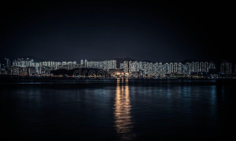 Opinião da noite da skyline de Hong Kong fotos de stock