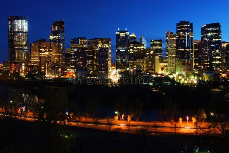 Opinião da noite de Calgary imagens de stock royalty free