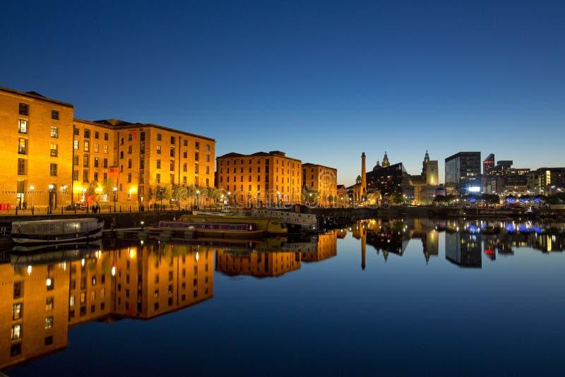 Opinião da noite de docas de Salthouse ao lado de Albert Dock no quarto cultural de Liverpool 11 de junho de 2014 tomado em Liver fotos de stock royalty free