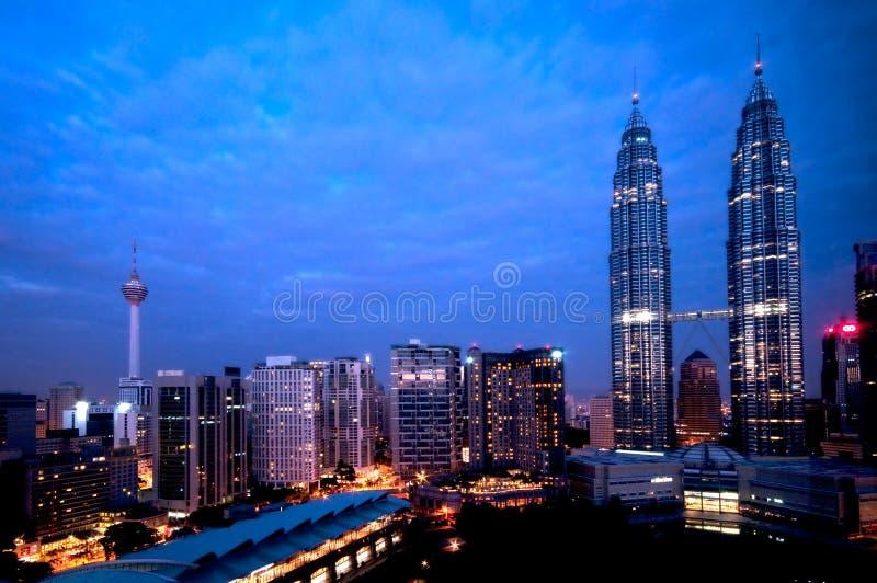 Opinião da noite de Kuala Lumpur fotografia de stock