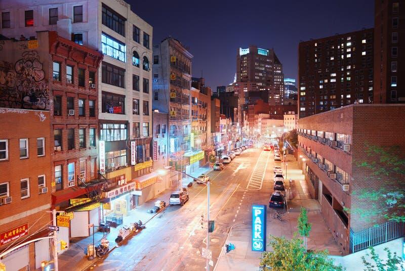 Opinião da noite de New York City Chinatown imagens de stock