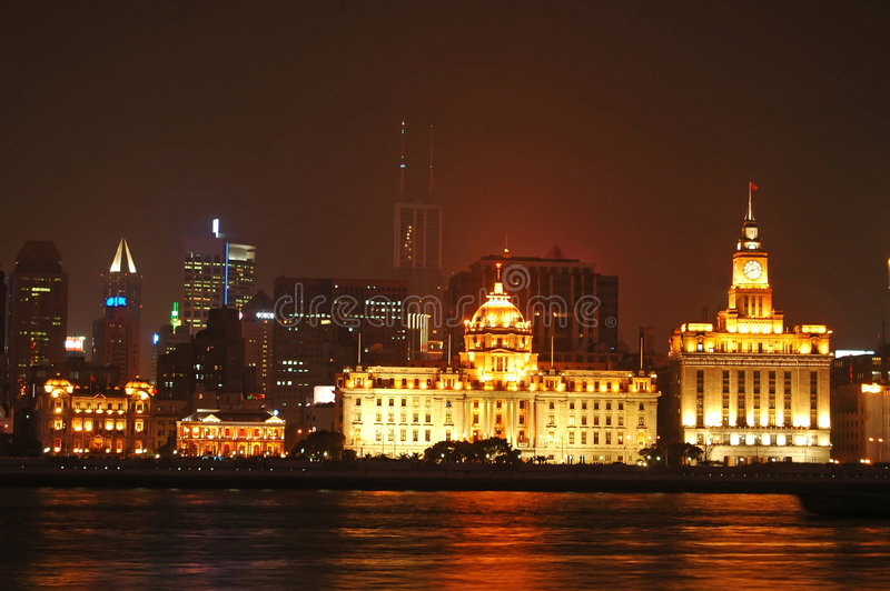 Opinião da noite de Shanghai imagem de stock