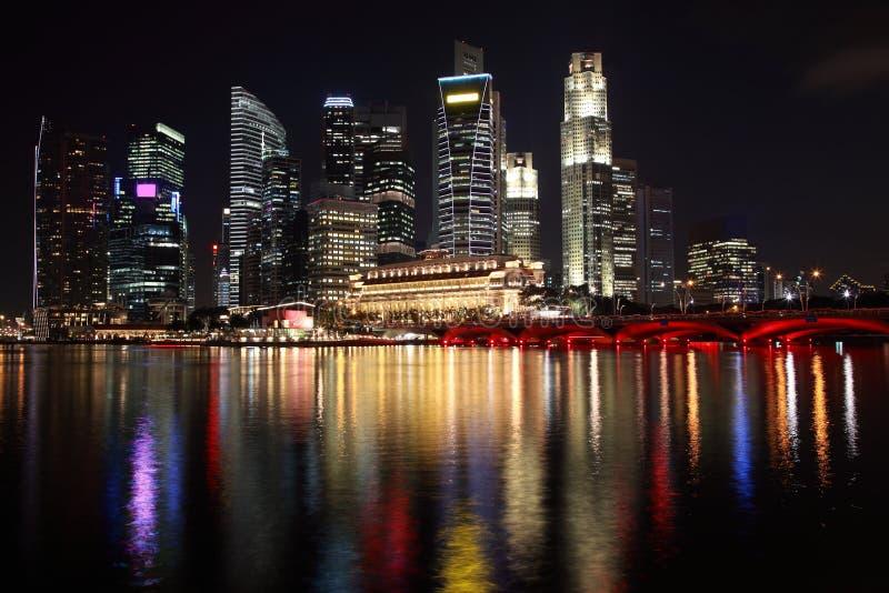 Opinião da noite de Singapore imagens de stock