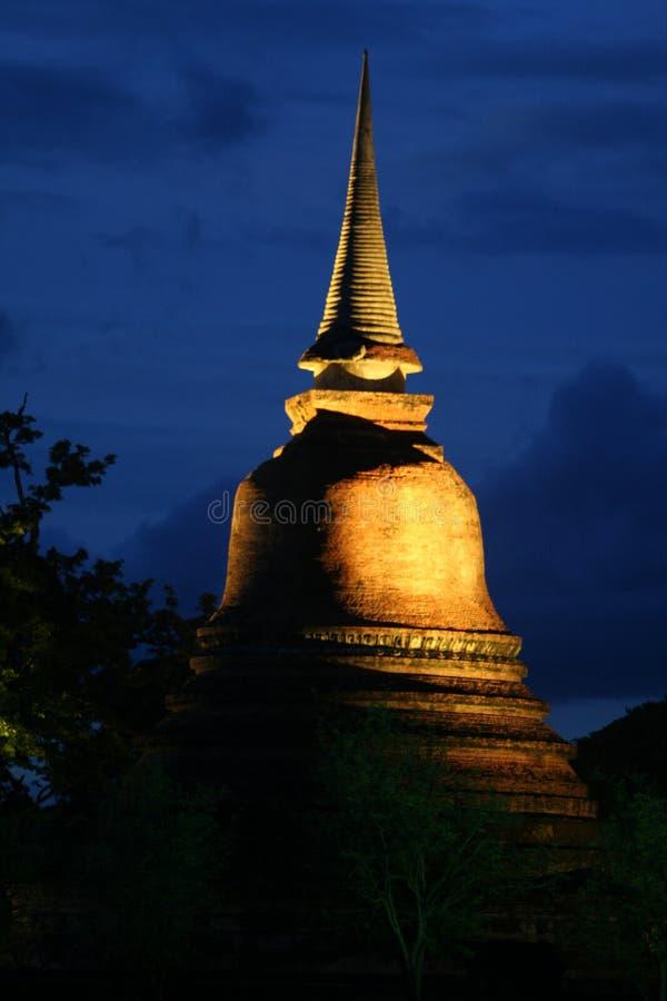 Opinião da noite de Sukhothai fotos de stock