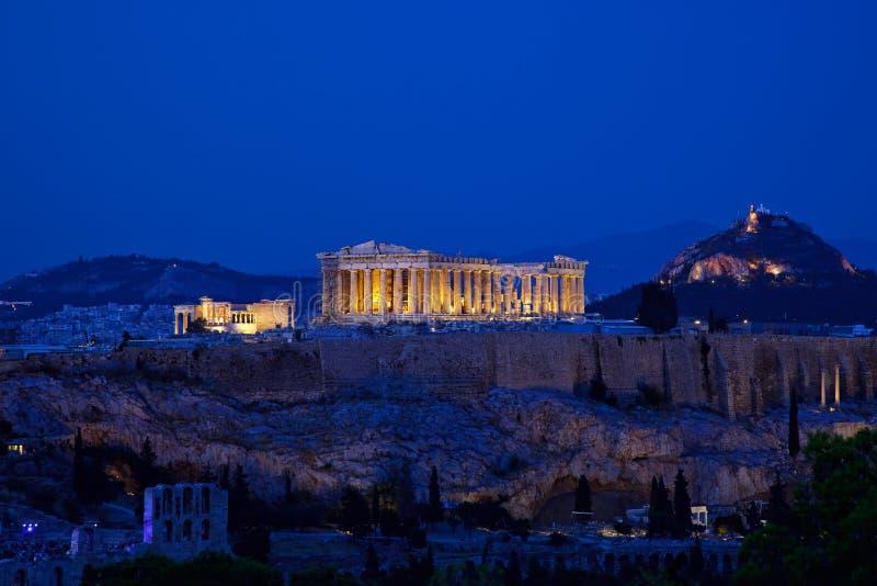 Opinião da noite do Acropolis, Atenas fotos de stock royalty free