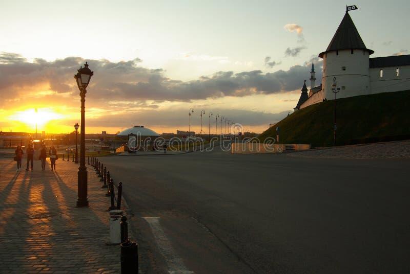 Opinião da noite do Kazan kremlin foto de stock royalty free