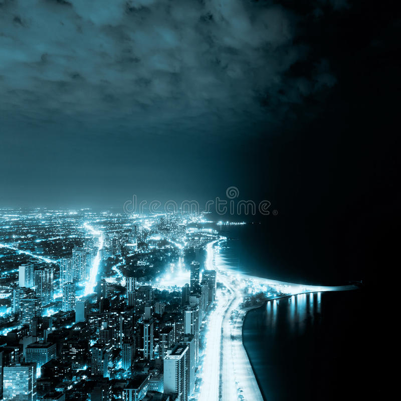 Opinião da noite em Chicago imagens de stock royalty free